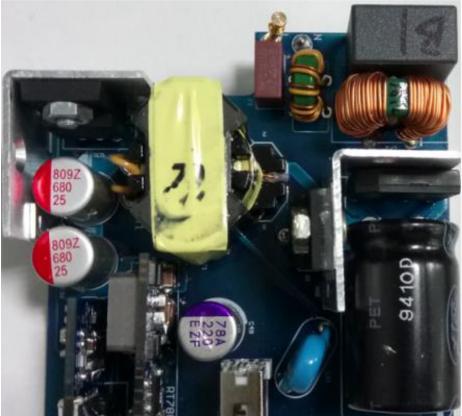基于RICHTEK RT7752+RT7207+RT7880控制器的PD+QC双口充电器解决方案