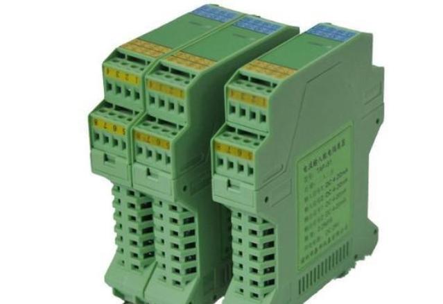 如何实现电源和信号隔离以确保 CAN 总线可靠运行